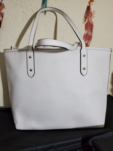 Load image into Gallery viewer, Coach city zip tote in chalk