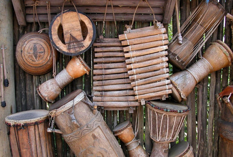 instruments traditionnels africains en bois
