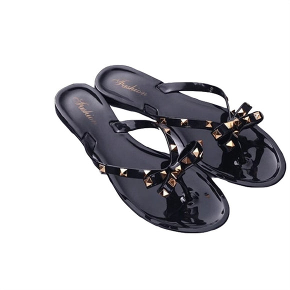 2019 new slippers female summer fashion rivet bow flip flops wear wild flat jelly shoes sandals and slippers