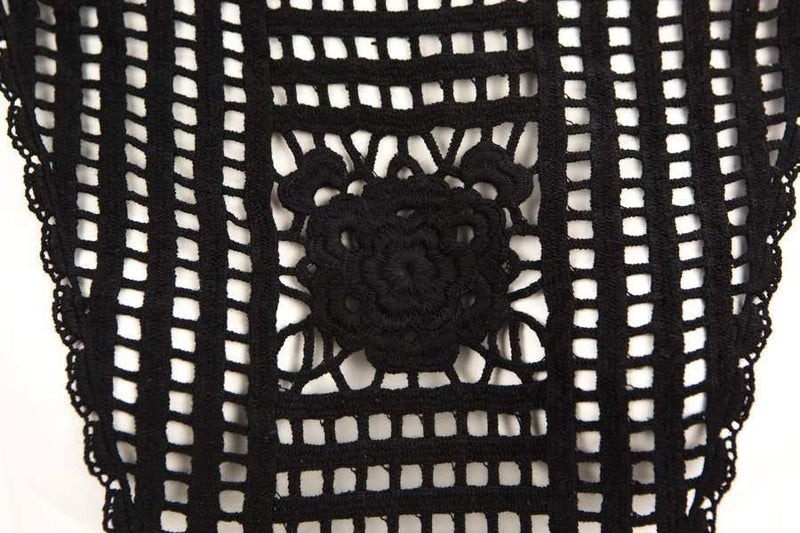 Black Netting with Center Floral Cotton Appliqué APP00131
