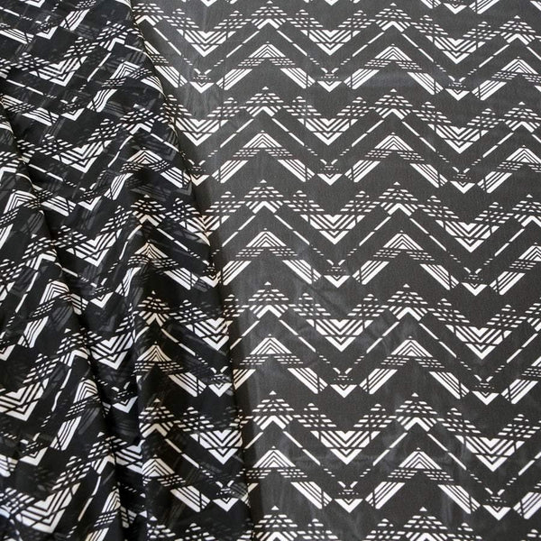 Black and White Chevron Zig Zag Print Polyester Chiffon Fabric 1.5 yard  LWW00109