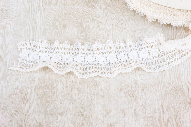Off White Crochet Style Lace Elastic Lace Trim per 3 yards SLT00016