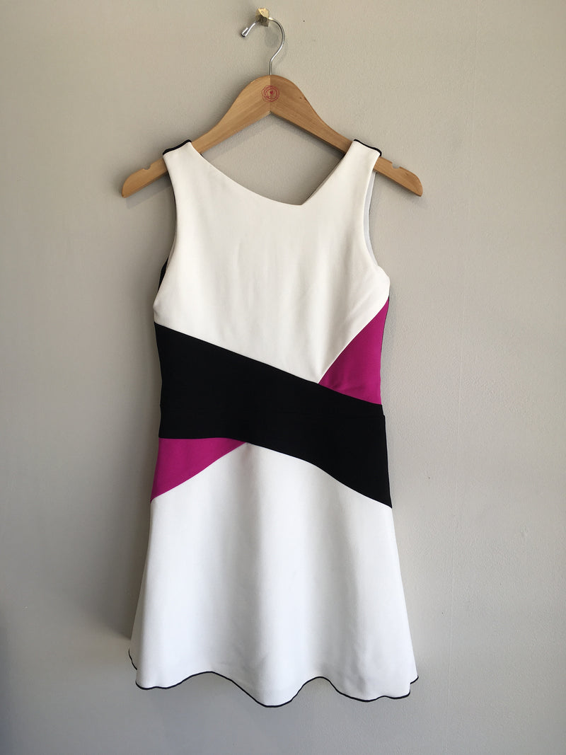 WHITE COLOR BLOCK DRESS