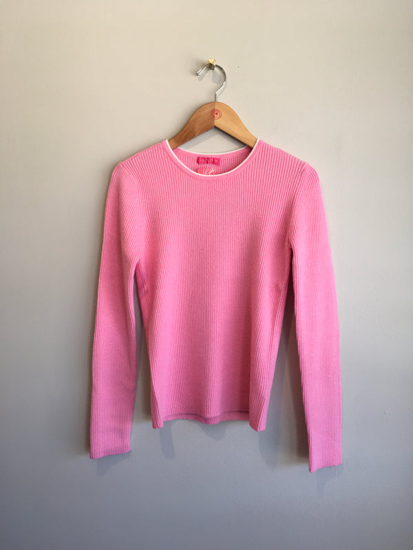 neck piping sweater