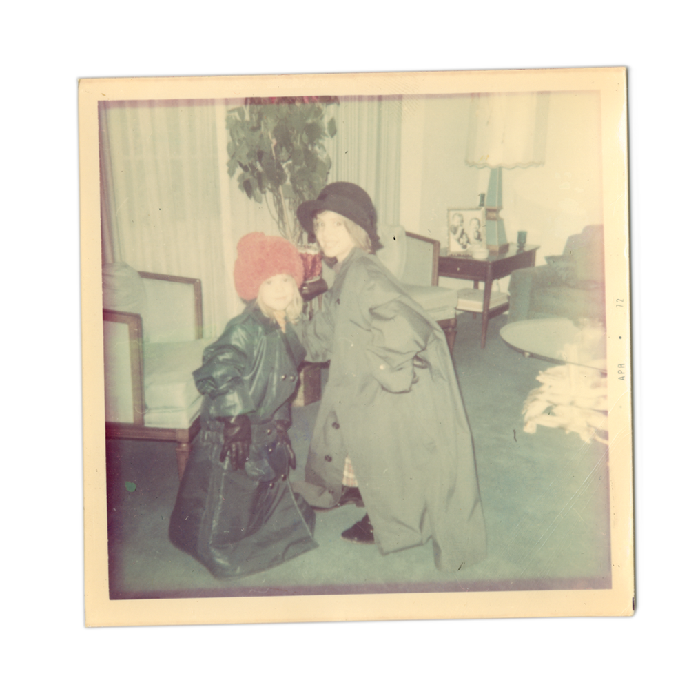 Photo of Patti and Lizanne as young girls