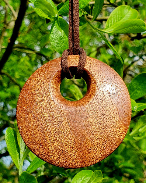 Pendant necklace (sapele) - WoodsmitheryShop