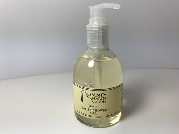 Luxury natural shampoo by Romney Marsh Wools