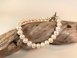 Sarah Beevers soft white freshwater pearl bracelet