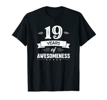 Afbeelding in Gallery-weergave laden, 19 Years Of Awesomeness T-shirt Birthday Gift T-Shirt