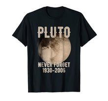 Afbeelding in Gallery-weergave laden, Vintage Never Forget Pluto Funny Space Graphic T-Shirt