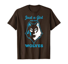 Afbeelding in Gallery-weergave laden, Wolves Tshirt - Just a Girl who Loves Wolves T-Shirt