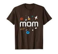 Afbeelding in Gallery-weergave laden, Mom Outer Space Birthday Party T-Shirt
