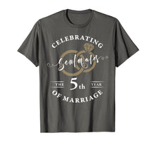 Afbeelding in Gallery-weergave laden, 5th Wedding Anniversary T-Shirt 5 years of Marriage Gift
