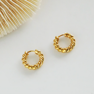 Chunky Rope Huggie Hoop Earrings (18kt Gold-Plated)