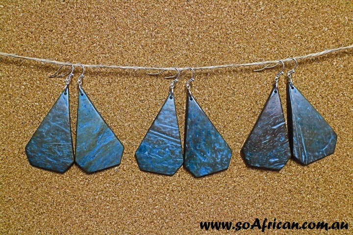 Coconut Shell Earring - Blue Tinted Diamond