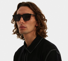 Load image into Gallery viewer, KOMONO JAY SUNGLASSES