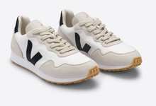 Load image into Gallery viewer, VEJA SNEAKERS
