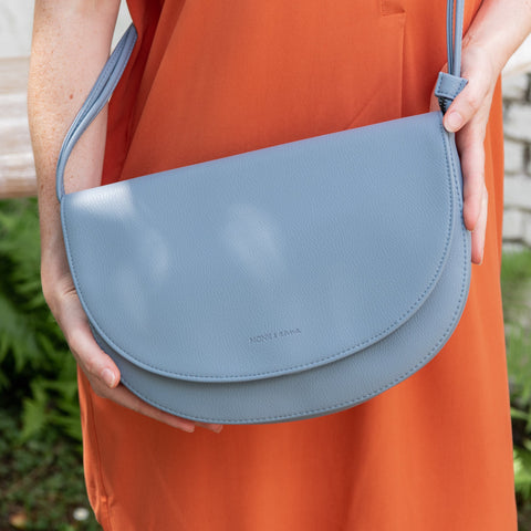 Monk & Anna Soma Half Moon Bag Faded blue