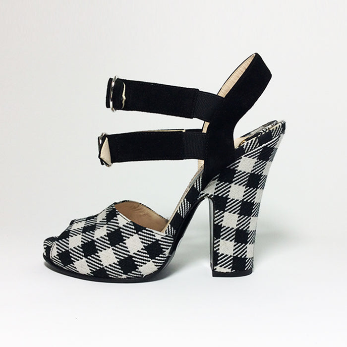 Prada Black & White Checkered Shoe Sz 38 (8)
