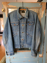 Load image into Gallery viewer, Wrangler Denim Jacket