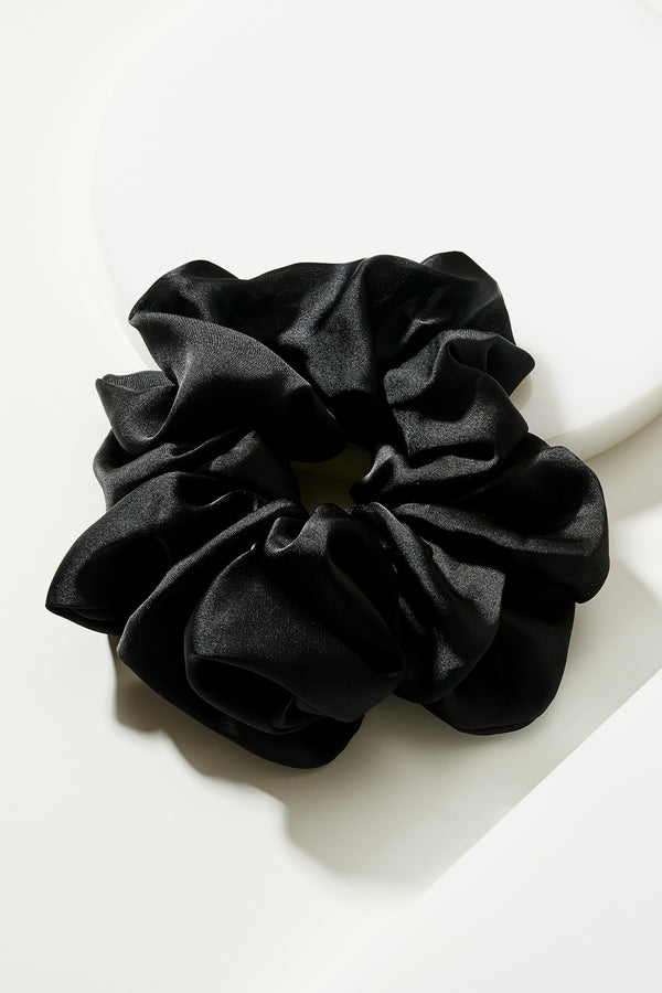 SILKY BLACK OVERSIZED PONY WRAP