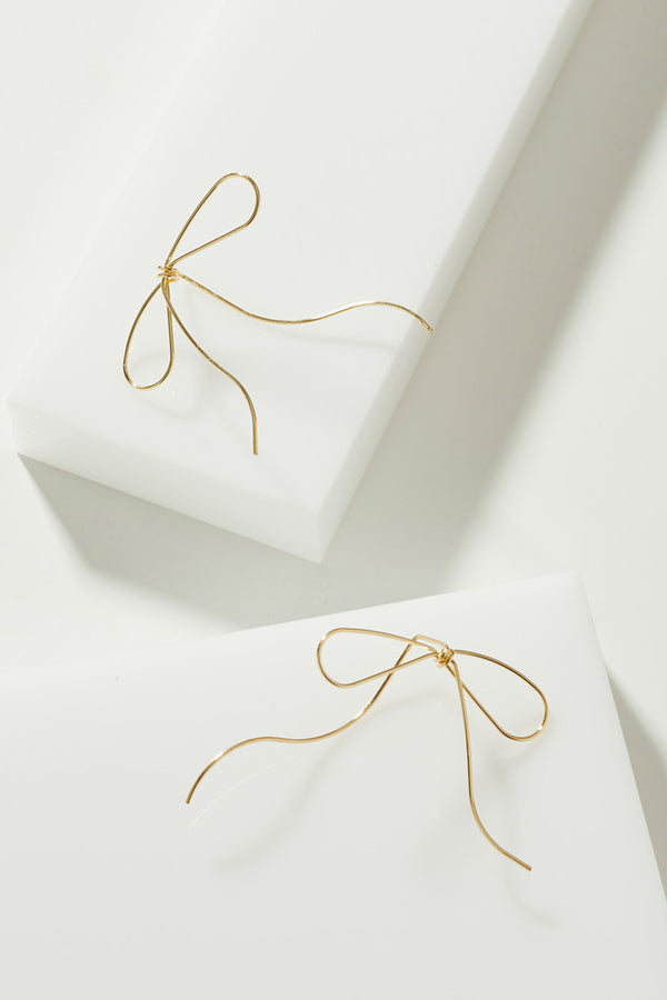 GOLD STRING EARRINGS