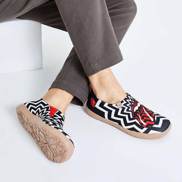 UIN Footwear Men Passionate Kiss Canvas loafers