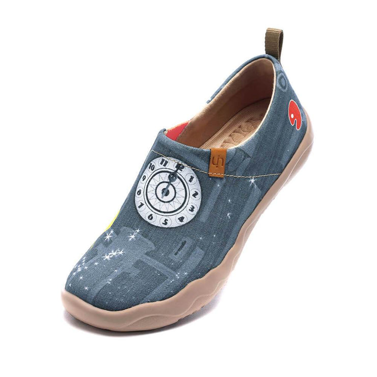 UIN Footwear Women Dreamy Midnight Canvas loafers