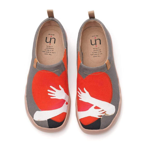 UIN Footwear Women Warm Heart Canvas loafers