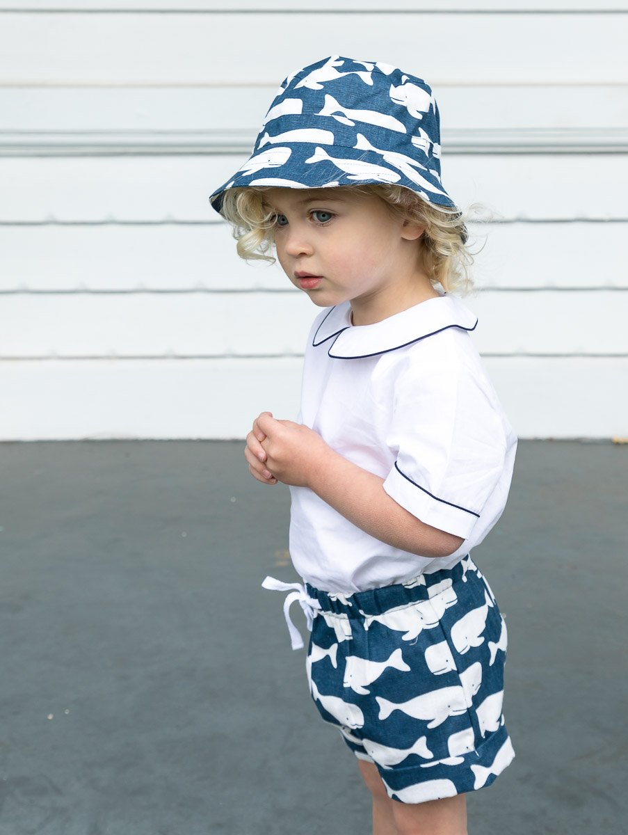 BOYS WHALE PRINT HAT IN NAVY