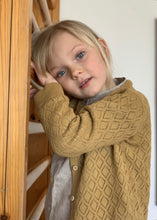 Laden Sie das Bild in den Galerie-Viewer, As We Grow Cardigan Diamond Organic Cotton