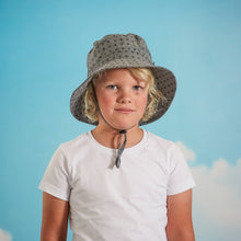 Laden Sie das Bild in den Galerie-Viewer, Acorn Downtown Bucket Hat