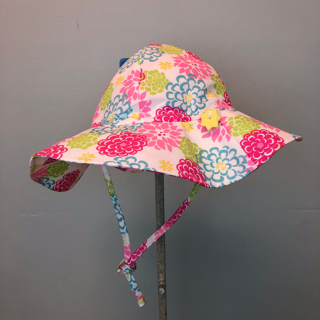 New I Play Girls Sun Protection Hat White Zinnia