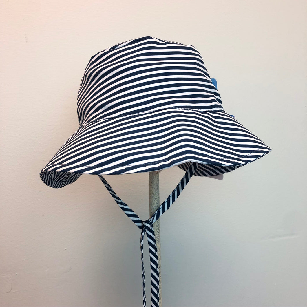 New I Play Sun Protection Hat Navy Stripes