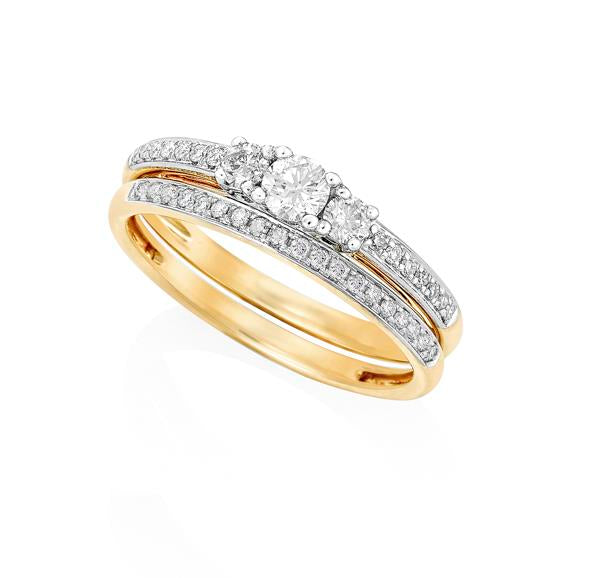 9ct Yellow Gold Round Brilliant-cut Diamond Trilogy Ring with Round Brilliant-cut Diamond Shoulders and Matching Wedder Set