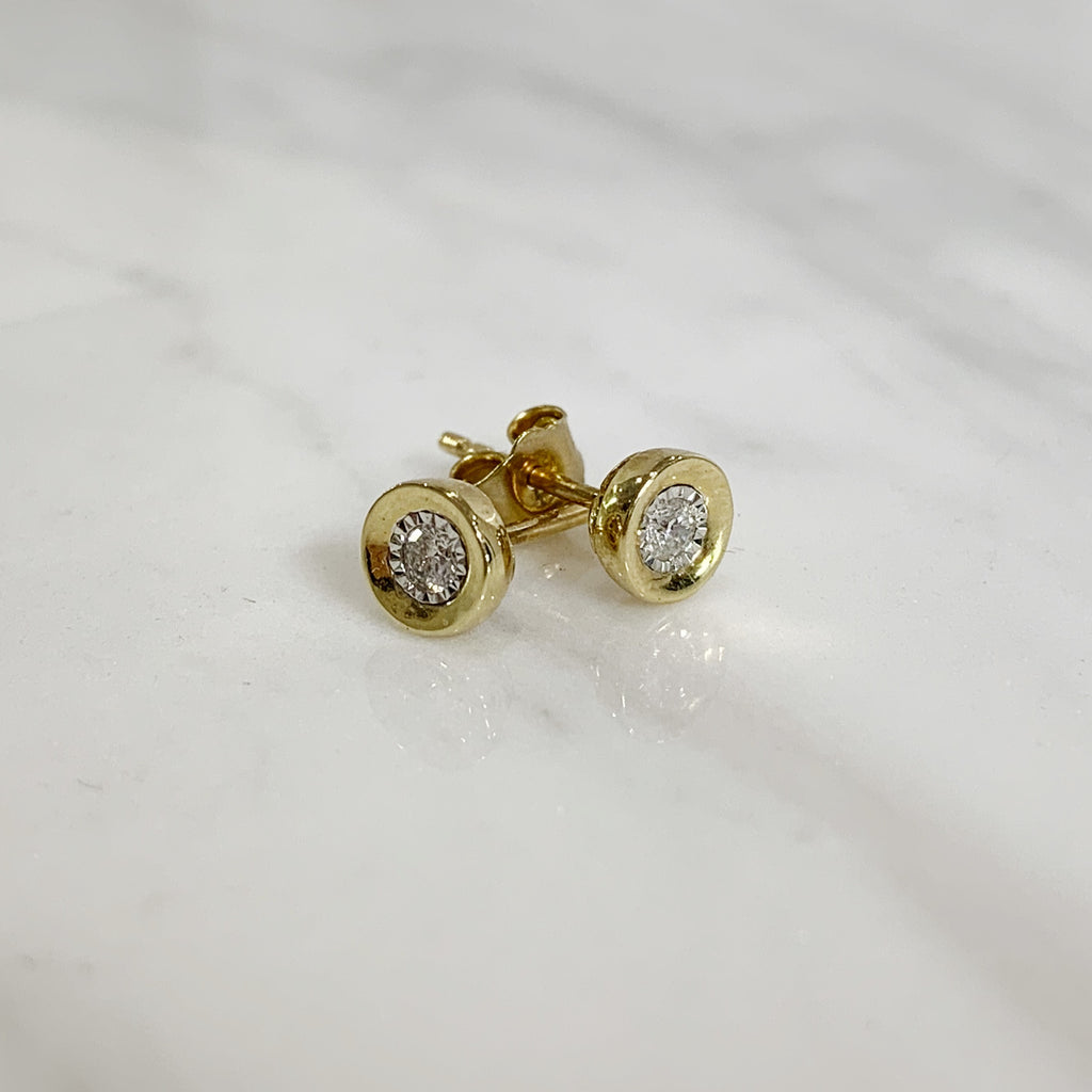Diamond studs 0.10ct