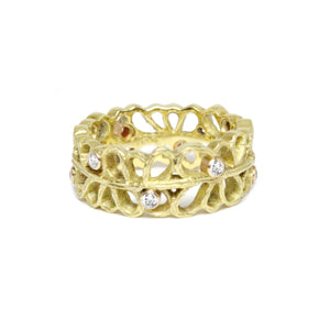 yellow gold 'shadow' ring
