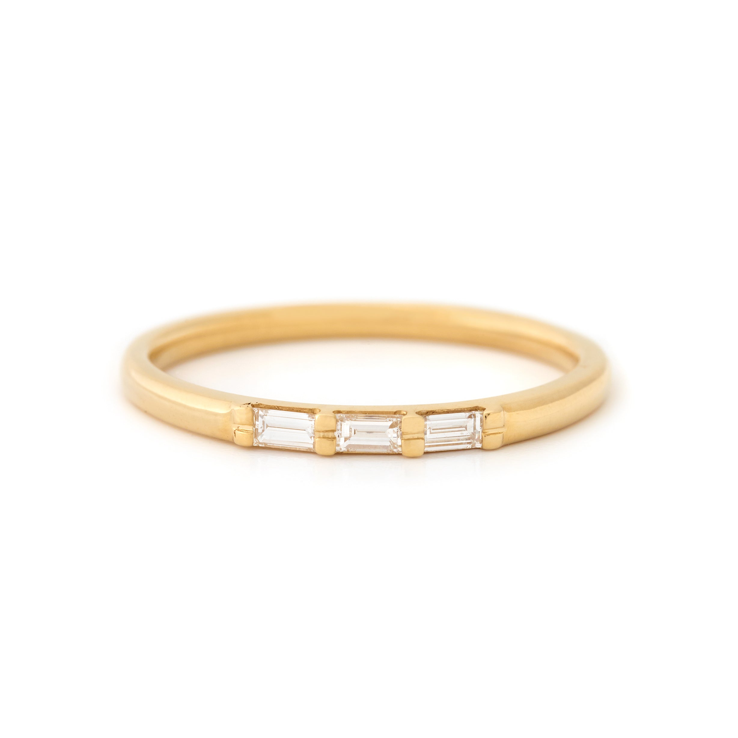 yellow gold lively diamond baguette ring