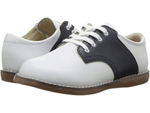 Load image into Gallery viewer, FootMates Cheer Oxford Shoe