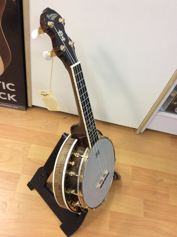 Countryman DUB5 dlx banjo ukulele with itted hard case