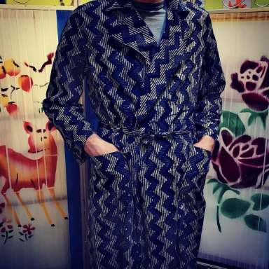 Best lawn cotton dressing gowns! Super fine and brilliant prints! Based on a vintage Hungarian dressing gown, complete with pockets as well as a breast pocket! Handmade in India, our patterns, our lay and our cut, then the magic of putting them together happens at the tailors machine!