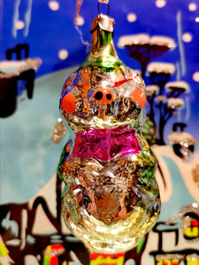 Gorgeous vintage mercury and painted glass pale coloured fairytale little piggy christmas ornament from the former Soviet Union. Beautifully hand made and decorated. This dates from the 1960s/70s Once you start collecting these it is difficult to stop!!  Made of glass with a steel top and is all original, to be handled and cleaned gently.  Dimensions 9cm high
