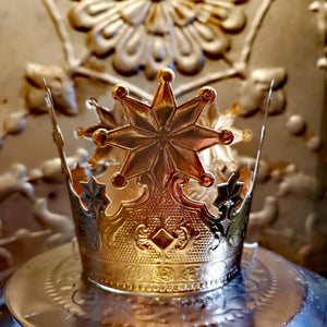 Regal crowns from embossed card