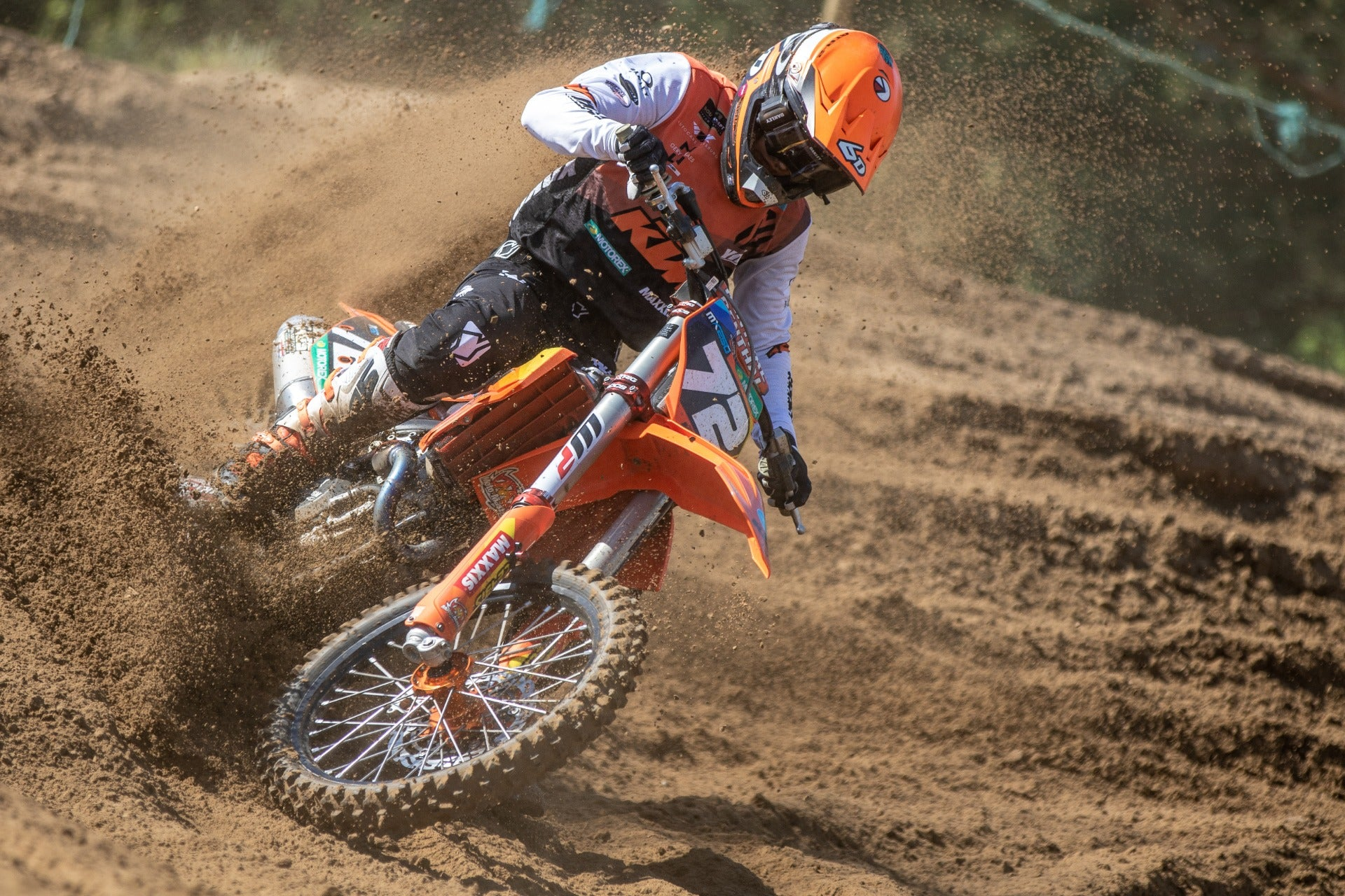 Liam Everts gets back on his bike after weeks of COVID-19 Lock-down!