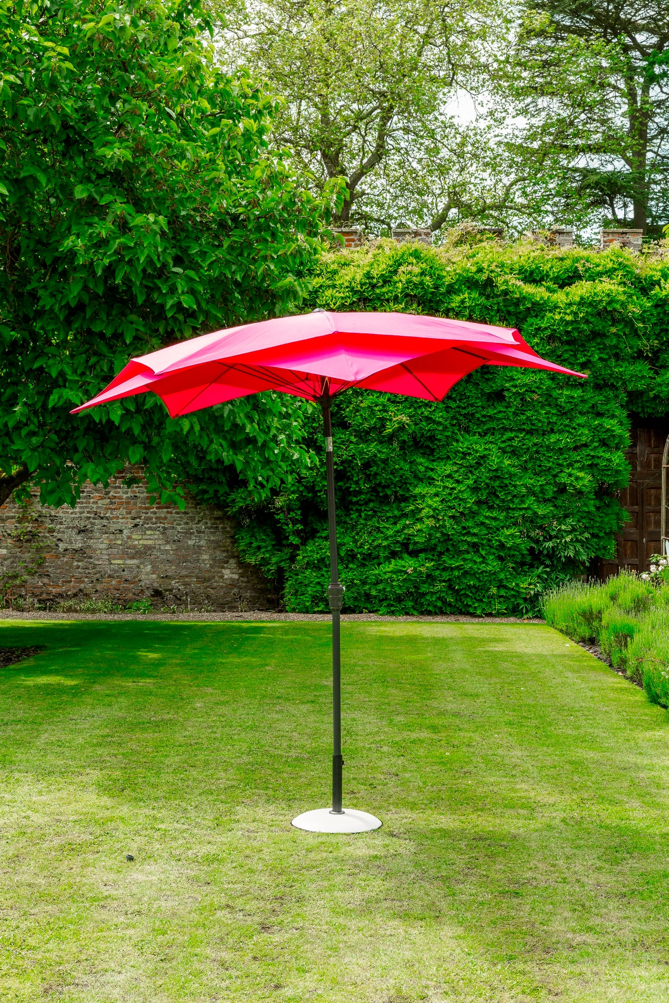Norfolk Leisure Lotus Parasol 2.7m by Harley & Lola
