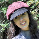 Newsboy cap with contrasting palette