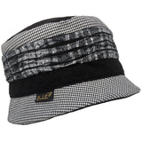 Bucket hat with contrasting bands