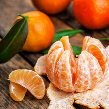 Load image into Gallery viewer, Mandarin Oranges  with stem and leaf ( per lb )