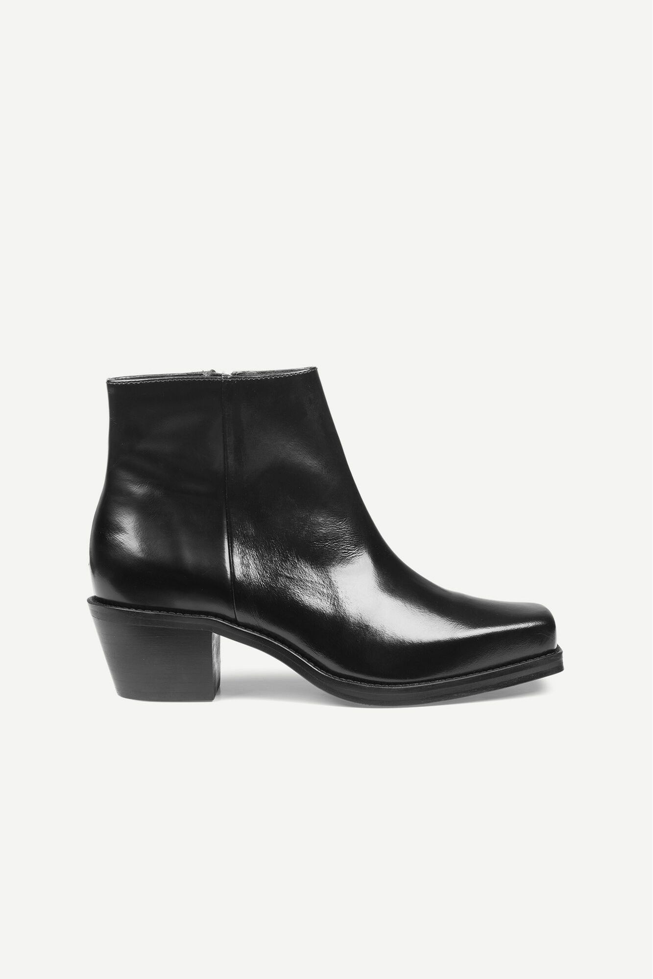 SQUARE TOE SHINY BLACK LEATHER BOOTS - BEYOND STUDIOS