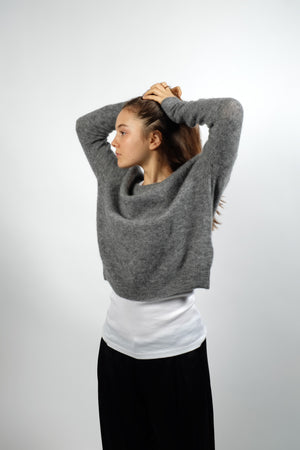 PULLOVER IN HEATHER GREY
